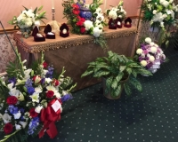 Oreilly Funeral Gallery Pic Cremation and urns with flower arrangements
